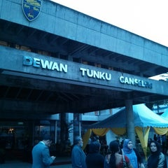 Photo taken at Dewan Tunku Canselor by Deeny Y. on 9/29/2013