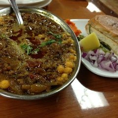 Photo taken at India Chaat Cuisine by Vilas .. on 9/21/2013