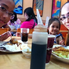 Photo taken at Chowking Sta. Rosa Commercial Complex by carl_byan c. on 4/25/2013