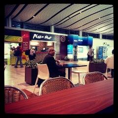 Photo taken at Pizza Hut by Pradeep N. on 10/27/2012