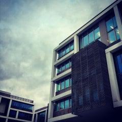 Photo taken at Tweet Cafè by Baddu C. on 10/18/2012