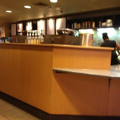 Photo taken at Starbucks by Jay Sheldon W. on 8/28/2013