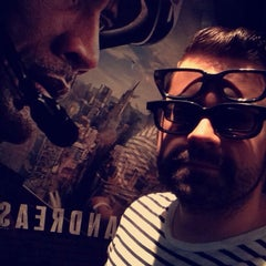 Photo taken at Cinéma Cineplex Odeon Ste-Foy by ilivier on 6/13/2015