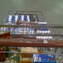 Photo taken at LotteMart Wholesale by Munty R. on 9/30/2014