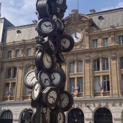 Photo taken at Gare SNCF de Paris Saint-Lazare by Roy D. on 7/16/2013