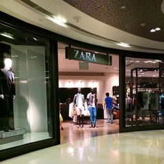 Photo taken at ZARA by Kamarul A. on 3/15/2014