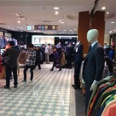 Photo taken at 신세계백화점 (SHINSEGAE Department Store) by VIA on 4/14/2013