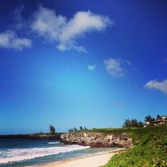 Photo taken at Kapalua Bay Beach by Gardenia R. on 9/3/2013