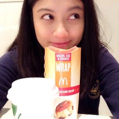 Photo taken at McDonald's by Ariel H. on 8/14/2014