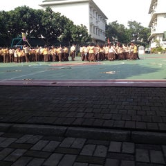 Photo taken at Sekolah Al-Azhar BSD by Rangga Z. on 4/5/2014