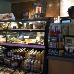 Photo taken at Starbucks by Namwan S. on 7/12/2014
