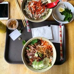 Photo taken at Hanco's Bubble Tea & Vietnamese Sandwich by Jeff E. on 5/9/2015