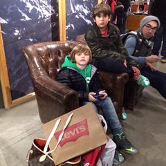 Photo taken at Levi's Store by Vero R. #. on 1/20/2014