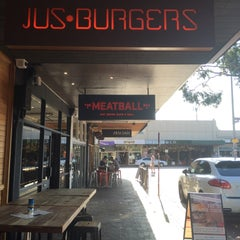 Photo taken at Jus Burgers by Wen A. on 10/19/2015