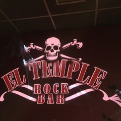 Photo taken at El Temple Rock Bar by Jorge T. on 11/1/2014