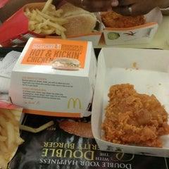 Photo taken at McDonald's by Hamdhu H. on 1/11/2014