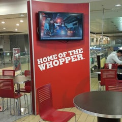 Photo taken at Burger King by José D. on 4/27/2015