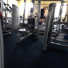 Photo taken at AL-FALAH Gym & Fitness Club by Hazry H. on 1/21/2014