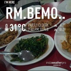 Photo taken at Rumah Makan (RM) Bemo by Taufik H. on 2/10/2013