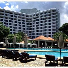 Photo taken at The Montien Hotel Pattaya (โรงแรมมณเฑียร พัทยา) by ☆.• Thiti Y. on 6/5/2015