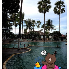 Photo taken at Pattawia Resort and Spa by ☆.• Thiti Y. on 5/7/2013