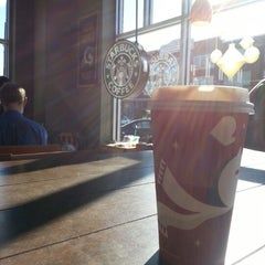 Photo taken at Starbucks by Matheus G. on 11/24/2012