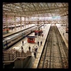 Photo taken at 서울역 (Seoul Station - KTX/Korail) by Johnny L. on 5/8/2013