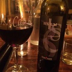 Photo taken at Wine 101 by Linda P. on 2/1/2015