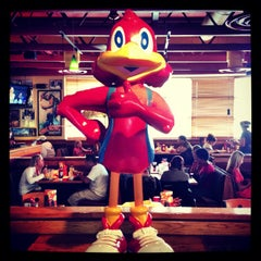 Photo taken at Red Robin Gourmet Burgers by Jeff R. on 6/29/2013