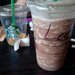Photo taken at Starbucks by Yang L. on 8/4/2013
