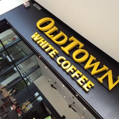 Photo taken at OldTown White Coffee by Desmond P. on 10/7/2012