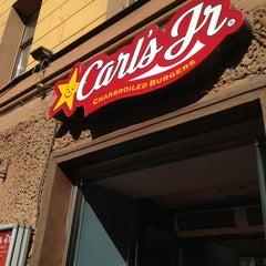 Photo taken at Carl's Jr. by Atikin V. on 7/2/2013