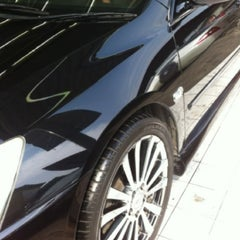 Photo taken at Bee Wash Car Detailing (บี วอช) by GoOd G. on 10/23/2012