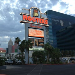 Photo taken at Hooters Hotel & Casino by Ram D. on 7/14/2013