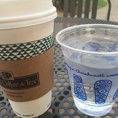Photo taken at Peet's Coffee & Tea by Vicky W. on 9/12/2015