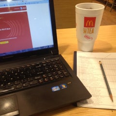 Photo taken at McDonald's by Kenneth S. on 9/26/2012