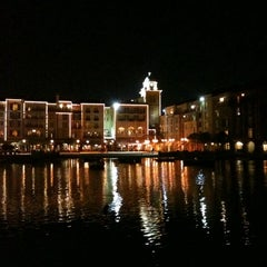 Photo taken at Loews Portofino Bay Hotel at Universal Orlando by Andy P. on 2/12/2011