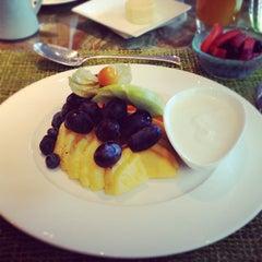 Photo taken at Amaranto Restaurant by Alexander B. on 4/6/2012