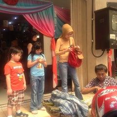 Photo taken at Toko Tekstil Kranggan (Jangkrik) by Pattisahusiwa F. on 5/6/2012