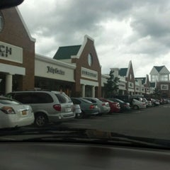 Photo taken at Williamsburg Premium Outlets by Julie Z. on 10/2/2011