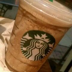 Photo taken at Starbucks by Fritz L. on 2/8/2012