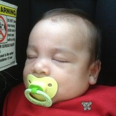 Photo taken at EXPRESS by Osvaldo V. on 12/17/2011