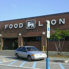 Photo taken at Food Lion Grocery Store by R8D X. on 8/20/2011