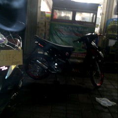Photo taken at Indomaret Cipete Raya by wendy n. on 1/6/2012