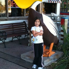 Photo taken at Joe's Crab Shack by Josephine V. on 1/22/2011
