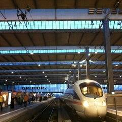Photo taken at München Hauptbahnhof by ACHTUNG FUSSBALL™ on 6/24/2012