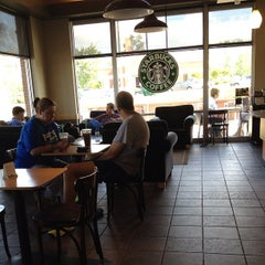 Photo taken at Starbucks by Lici B. on 4/26/2012
