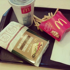 Photo taken at McDonald's by edwinlau C. on 5/6/2012