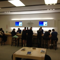 Photo taken at Apple Store, Smith Haven by Ernest Z. on 6/3/2012