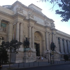 Photo taken at Palais de la Découverte by Herve K. on 8/29/2012
